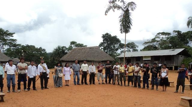 posicion de nuevos dirigentes en la fiesta de pachamama