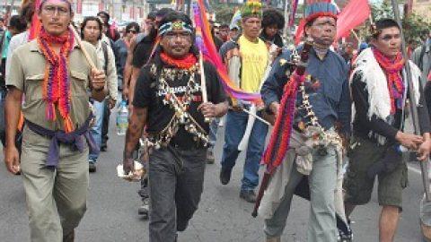 Sarayaku presente en la marcha del  22 Marzo de 2012.