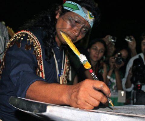 Sarayaku Firma la Declaracion de Kari-Oca II
