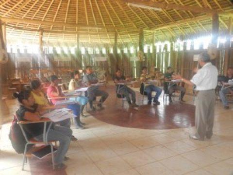 Cuenca del Bobonaza estrena escuela de especialización en recursos Amazónicos