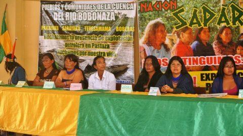 Boletín de Prensa   Mujeres amazónicas piden audiencia al pleno de la asamblea nacional  Quito, 17 de Octubre e 2013