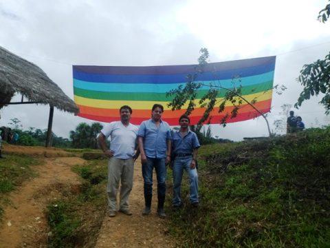 El Pueblo Originario de Sarayaku acaba de resolver hoy en su VII Congreso, acoger dentro de su territorio al Asambleísta Clever Jimenez , Fernando Villavicencio y Carlos Figueroa.