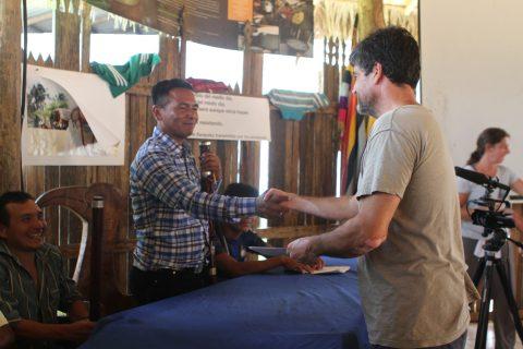 Sarayaku firma  convenio con la Universidad Estatal de Worcester, Worcester massachusetts, EEUU.