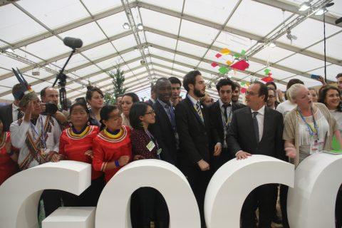 El Pueblo de Sarayaku inicio sus actividades en la COP21 en Paris, con la presentación, en el Pabellón de UUEE de la propuesta Kawsak Sacha.