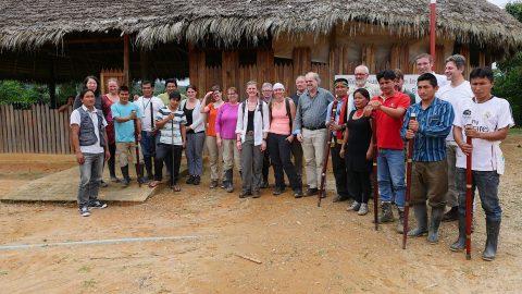 Alianza del clima red de ciudades europeas y astm (accion solidaridad tercer mundo) importante de Luxemburgo visita al Pueblo Kichwa de Sarayaku
