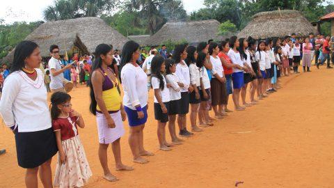 Sarayaku inicia sus preparativos para celebrar la Pachamama, fiesta en homenaje a la Madre Tierra.
